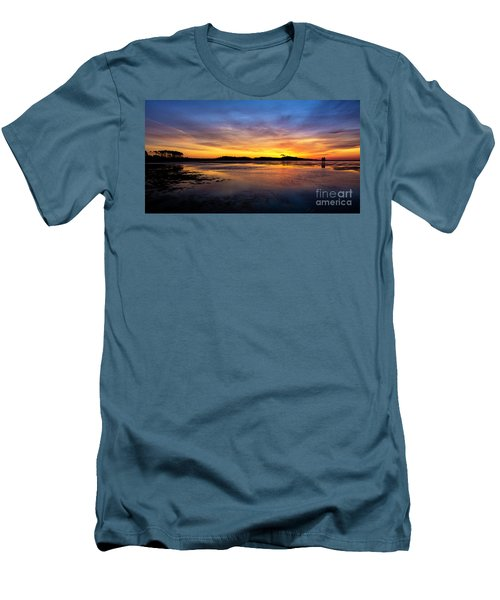 Beach Love Men's T-Shirt (Athletic Fit)