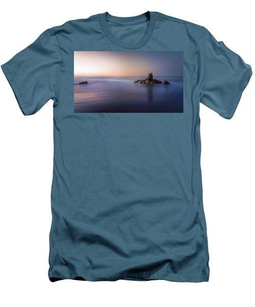 Big Corona Rock Men's T-Shirt (Athletic Fit)