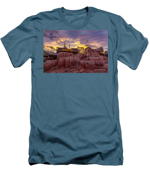 Big Thunder Mountain Sunset Men's T-Shirt (Athletic Fit)