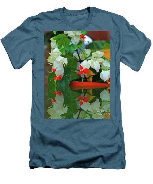 Bleeding Heart I Men's T-Shirt (Athletic Fit)