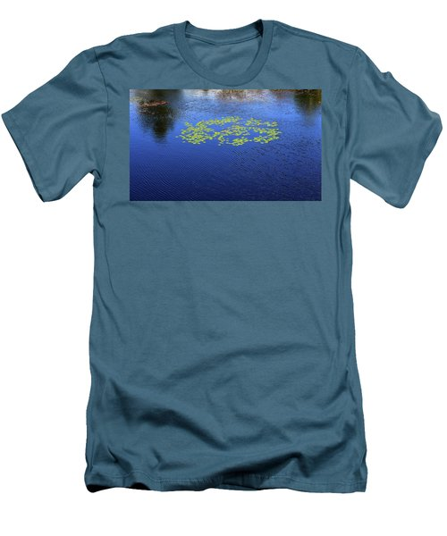 Breeze On The Water  Men's T-Shirt (Slim Fit)