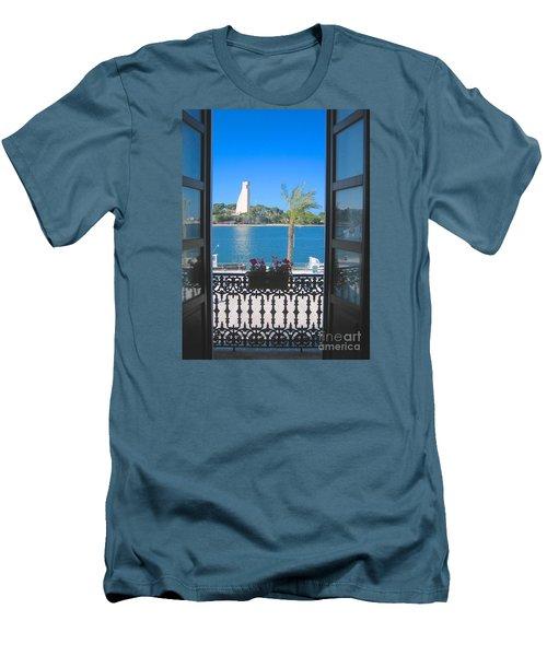 Brindisi Monumento Al Marinaio Men's T-Shirt (Athletic Fit)