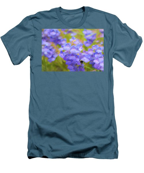 Buzzing Around Men's T-Shirt (Athletic Fit)