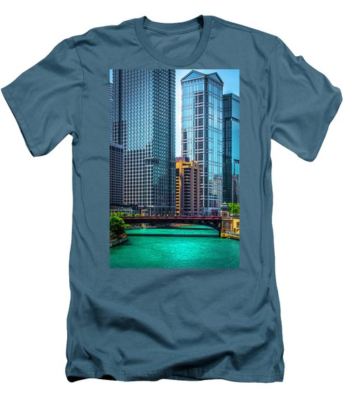 Chicago River From Michigan Ave Dsc2107 Men's T-Shirt (Slim Fit) by Raymond Kunst