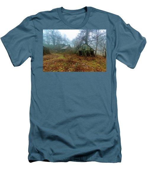 Creepy House Men's T-Shirt (Athletic Fit)
