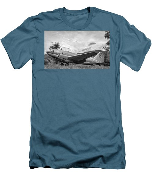 Curtiss C-46 Commando - Bw Men's T-Shirt (Athletic Fit)