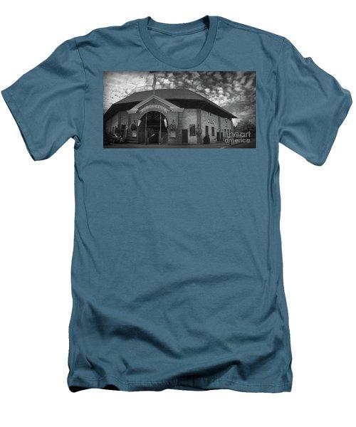 Doubleday Field Park Men's T-Shirt (Slim Fit)