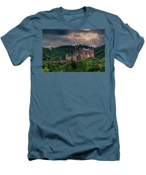 Eltz Castle Men's T-Shirt (Athletic Fit)
