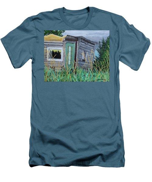 Fish Shack Men's T-Shirt (Athletic Fit)