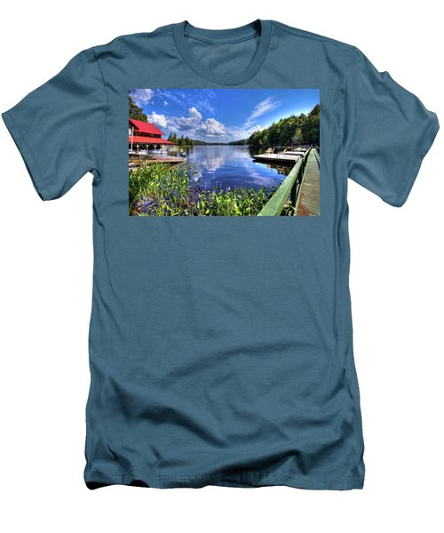 Men's T-Shirt (Athletic Fit) featuring the photograph Floating Bridge At Covewood by David Patterson