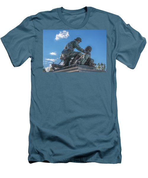 Friend To Friend Monument Gettysburg Men's T-Shirt (Athletic Fit)