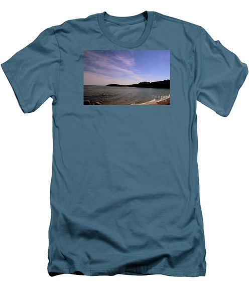 Gloucester Beach Men's T-Shirt (Athletic Fit)