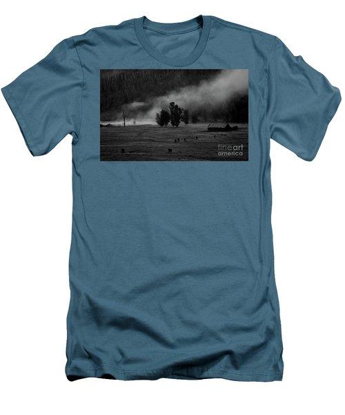 Gordon's Barn At Dawn Men's T-Shirt (Athletic Fit)