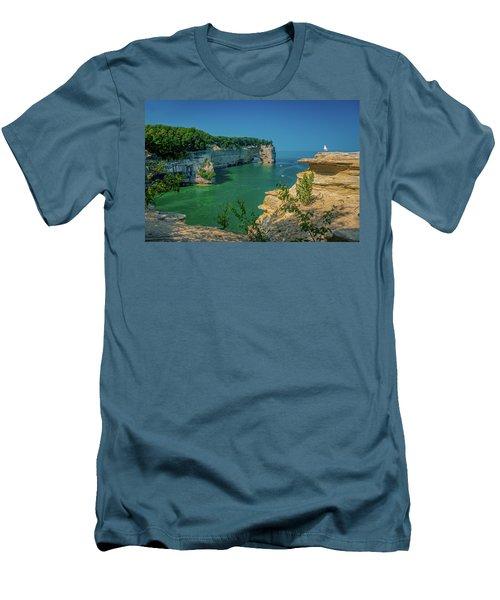 Grand Portal Point Men's T-Shirt (Athletic Fit)