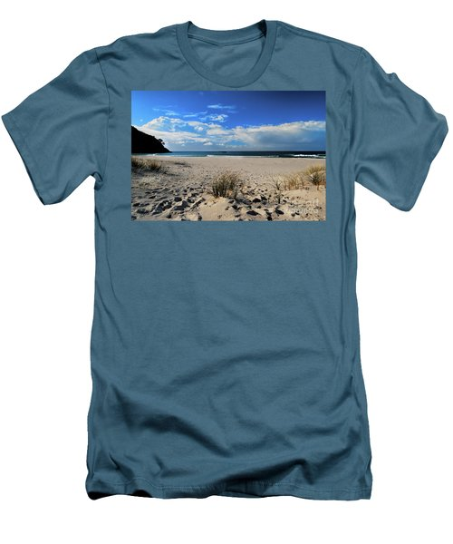 Great Barrier Island Men's T-Shirt (Slim Fit) by Karen Lewis