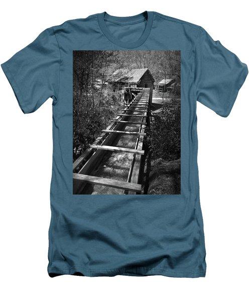 Hagood Gristmill Waterwheel At Hagood Mill Men's T-Shirt (Slim Fit) by Kelly Hazel