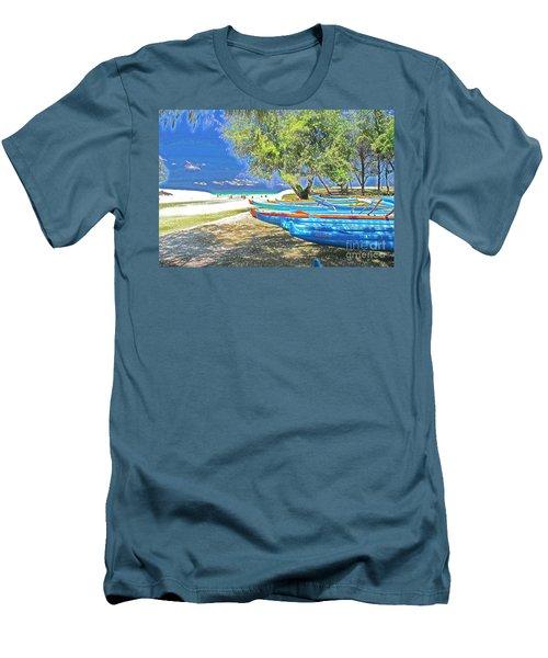 Hawaii Boats Men's T-Shirt (Athletic Fit)