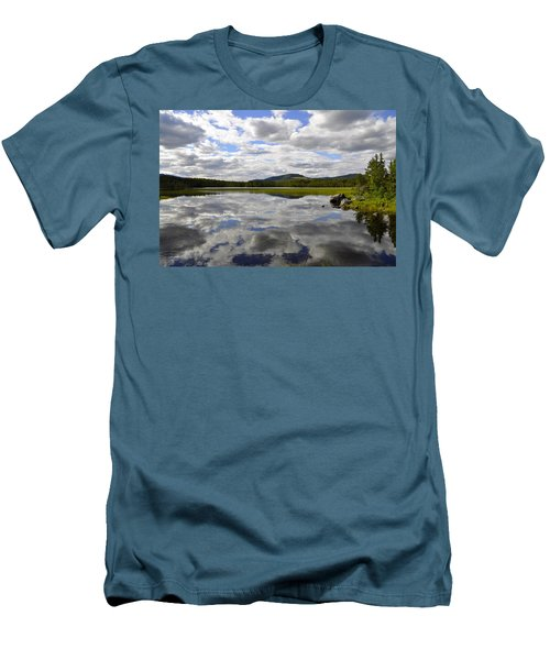 Hon Lake Men's T-Shirt (Athletic Fit)