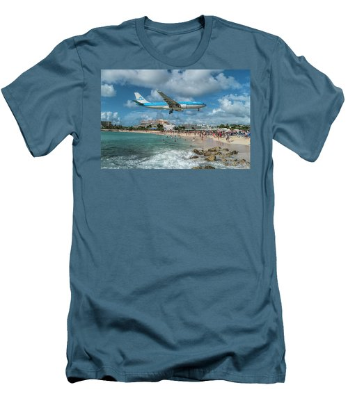 K L M A330 Landing At Sxm Men's T-Shirt (Athletic Fit)