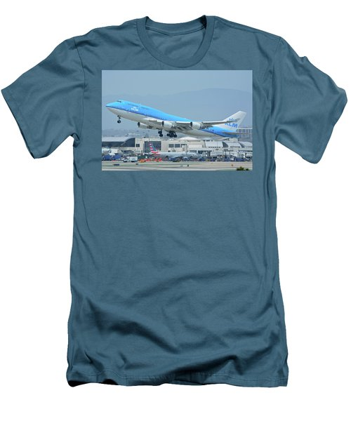 Men's T-Shirt (Slim Fit) featuring the photograph Klm Boeing 747-406m Ph-bfh Los Angeles International Airport May 3 2016 by Brian Lockett