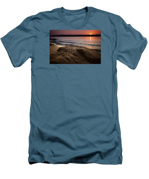 Lake Sunset Vi Men's T-Shirt (Slim Fit)