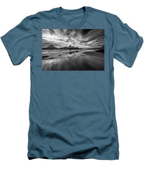 Lines In The Sand At Seal Rock Men's T-Shirt (Athletic Fit)