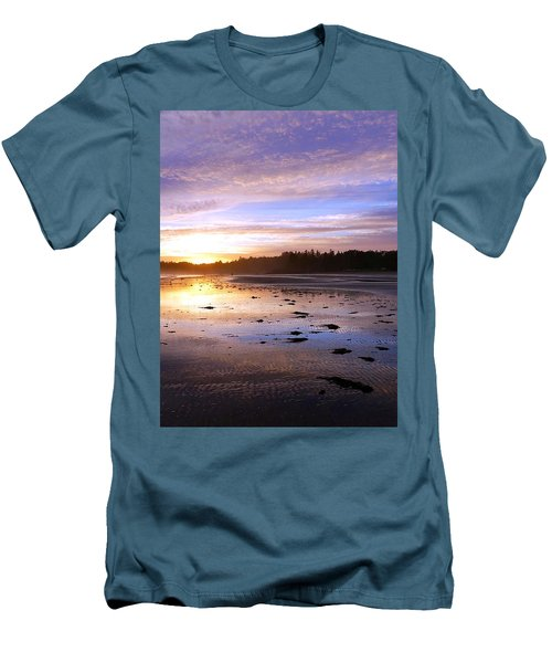 Long Beach, British Columbia Men's T-Shirt (Athletic Fit)