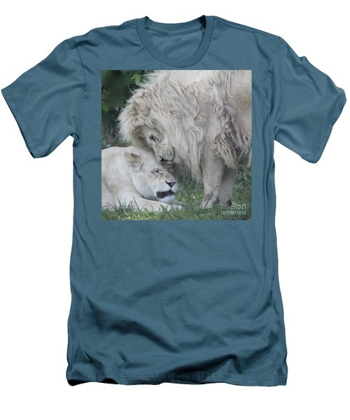 Love Lions Men's T-Shirt (Athletic Fit)