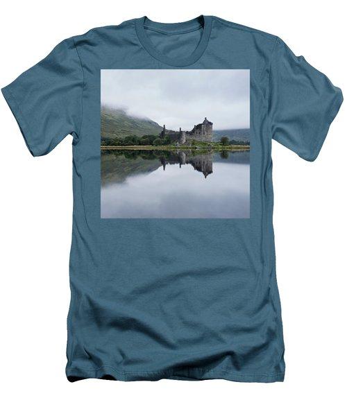 Low Mist At Kilchurn Men's T-Shirt (Athletic Fit)