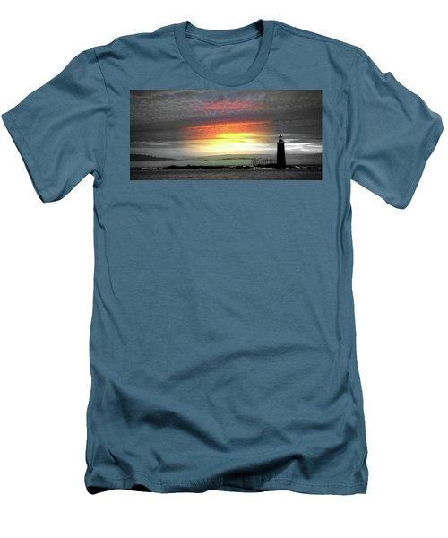 Maine Lighthouse Men's T-Shirt (Athletic Fit)