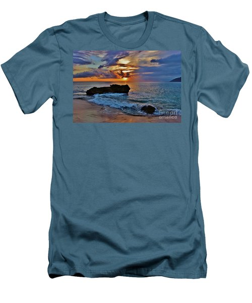 Makua Sunset Men's T-Shirt (Athletic Fit)