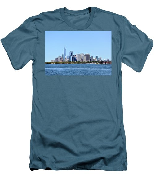 Manhattan Skyline 1 Men's T-Shirt (Athletic Fit)