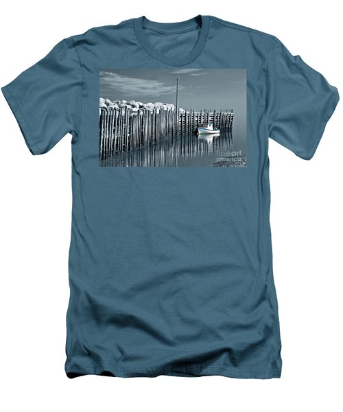 Margaretsville Wharf  Men's T-Shirt (Athletic Fit)