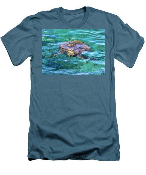 Maui Sea Turtle Men's T-Shirt (Athletic Fit)