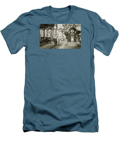 Memphis Carriage Men's T-Shirt (Athletic Fit)