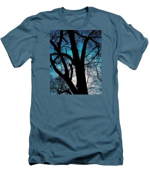 Might Oak 16x20 Men's T-Shirt (Athletic Fit)