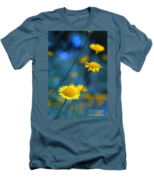 Momentum 04a Men's T-Shirt (Athletic Fit)