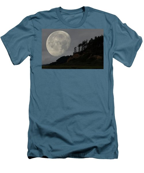Moon At Roosevelt Beach Wa Men's T-Shirt (Athletic Fit)