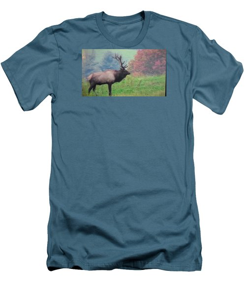 Mr Elk Enjoying The Autumn Men's T-Shirt (Athletic Fit)