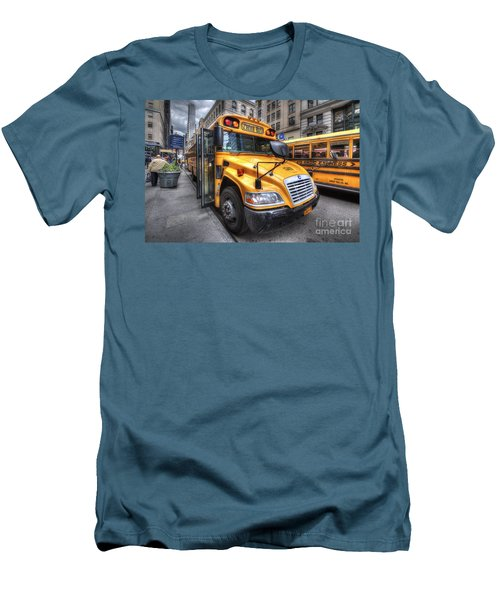 Nyc School Bus Men's T-Shirt (Athletic Fit)