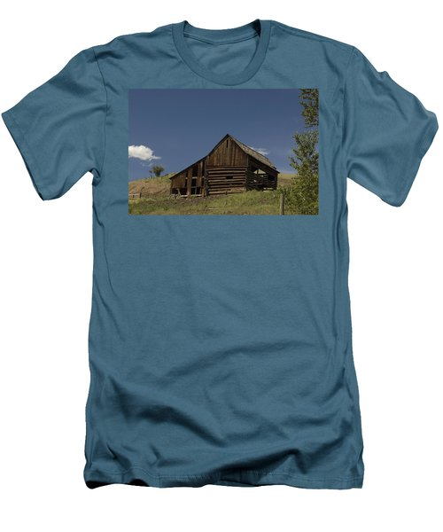 Old Barn 2 Men's T-Shirt (Athletic Fit)