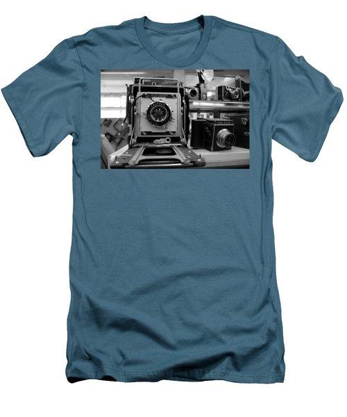 Old Cameras Men's T-Shirt (Athletic Fit)