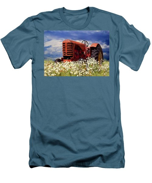 Old Red Tractor Men's T-Shirt (Athletic Fit)