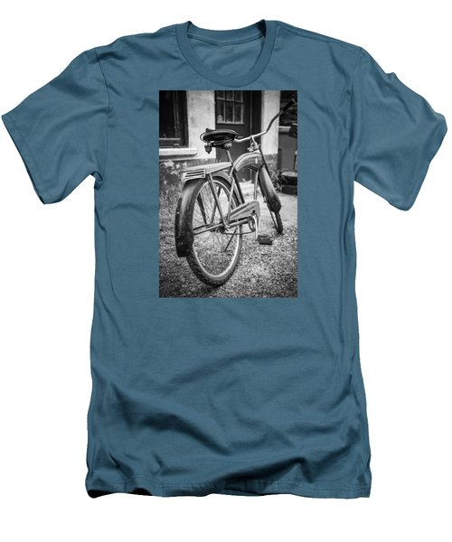 Old Wheels Men's T-Shirt (Athletic Fit)