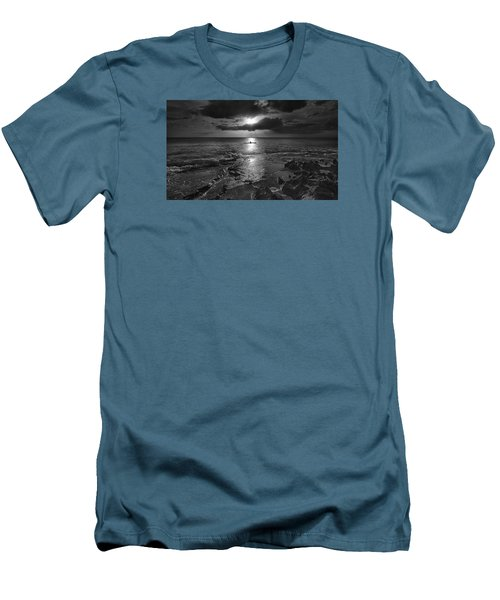 Paddle To The Sun Men's T-Shirt (Athletic Fit)