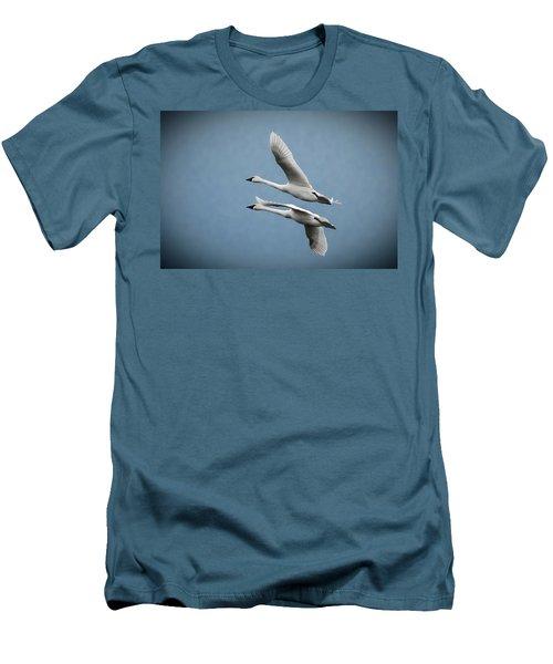 Pair Of Tundra Swan Men's T-Shirt (Slim Fit)