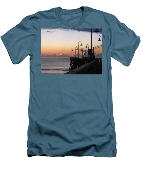 Pre-sunrise On Daytona Beach Pier   Men's T-Shirt (Athletic Fit)