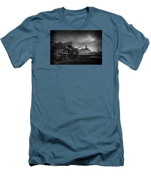 Ramsgate Lobster Pots  Men's T-Shirt (Athletic Fit)