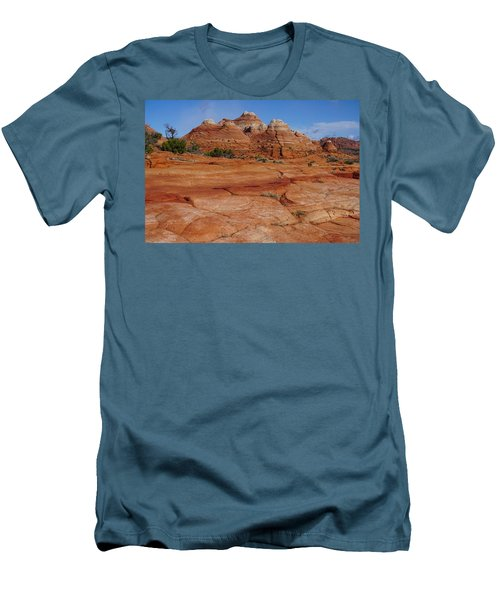 Red Rock Buttes Men's T-Shirt (Athletic Fit)