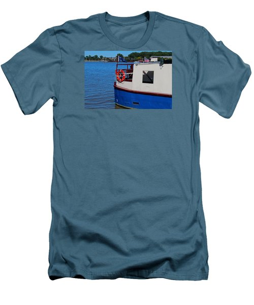 Men's T-Shirt (Slim Fit) featuring the photograph Sandpiper On The Maumee by Michiale Schneider